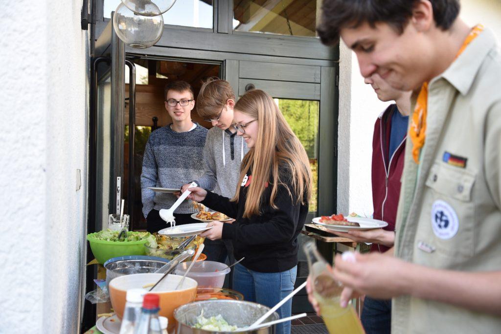 Viele brachten Salate mit